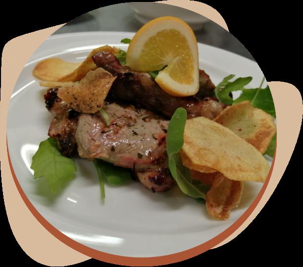 agriturismo cucina tipica piatto di carne